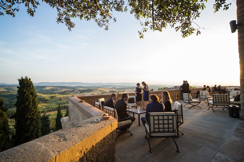 Matrimonio Country Chic Firenze : Toscana resort castelfalfi la location perfetta per un