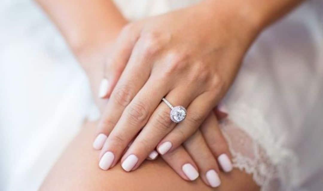 """Unghie sposa, la manicure perfetta per il giorno del """"Sì"""""""