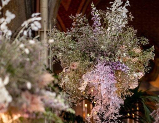 Addobbi floreali matrimonio: ultime tendenze, stili e colori must